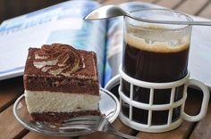 Obowiązkowy zestaw śniadaniowy kawa i wuzetka. Dessert, Tiramisu, Creme, Coffee, Ethnic Recipes, Food, Google, Afternoon Snacks, Breakfast