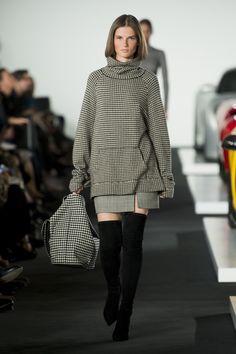Ralph Lauren Fall 2017 Ready-to-Wear Fashion Show - Giedre Dukauskaite
