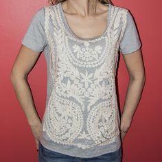 Le T-shirt UU283 avec son superbe devant brodé dans son quasi intégralité est à retrouver chez votre grossiste de vêtements pour femmes, Carla Raffi à Lyon http://www.carlaraffi.com