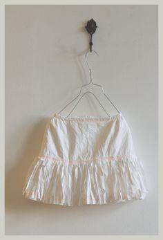 LIESCHEN MUELLER, love these petticoats.