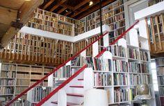Biblioteca personale dello scrittore statunitense Larry McMurtry.
