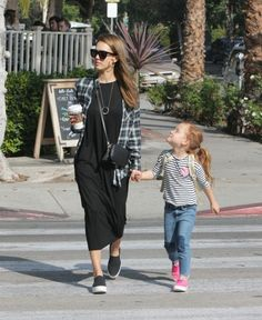 Celeb M A M A watch: The ever stylish Jessica Alba with her daughter Haven last weekend, we love this mama + daughter moment, what's your favourite thing to do with your baby girl (or boy!)  #WMMagazine #wonderfulmama #celebmama #jessicaalba #havenwarren