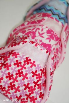 How to make cloth diapers for a doll. These are so cute and such a fun gift idea!