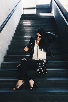 Austin blogger DTKAustin shares how to achieve an edgy yet classic look on a budget for Fall.   how to wear a leather jacket   how to style a leather jacket   how to wear black skinny jeans   black skinny jean style tips   fall fashion tips   fall outfit ideas   fall style tips   what to wear for fall   cool weather fashion   fashion for fall   style tips for fall   outfit ideas for fall    Dressed to Kill