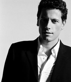 Ioan Gruffudd. Because who doesn't love a sexy Welsh guy? Also, he's not too shabby in The Titanic ;)