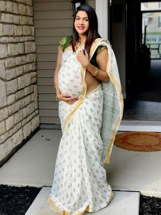 black plain georgette saree ready to wear custom made velvet red blouse womens wedding party wear sari sarees Breastfeeding Photography, Maternity Photography, Baby Shower Photography, Beautiful Pregnancy, Aunty In Saree, Sari Blouse Designs, Indian Beauty Saree, Indian Sarees, Beautiful Hijab
