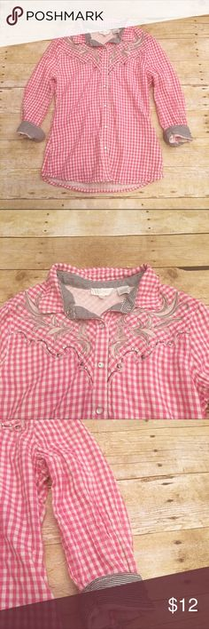 🍷Pink/white checkered Miss Me 3/4 sleeve top, M Very pretty Miss Me button down checkered top in a size medium. Nice classic western feel to it! Not thin. It is slightly faded. Length- approximately 22 inches, sleeve length- approximately 17 inches (rolled up). Miss Me Tops Button Down Shirts
