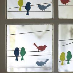 Fräulein Löwenzahn wird Kindergärtnerin: Ungewöhnliche Fensterdeko