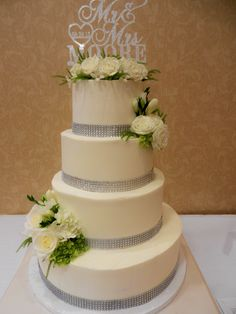 bling and more bling wwwcheesecakeetcbiz wedding cakes charlotte nc