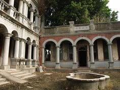 Abandoned Mansion Taiwan, left to be rediscovered.....