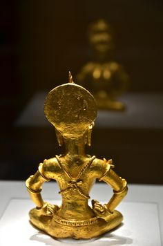 A 4-pound gold Hindu deity found in the southern Philippines which shows the connections with and influences of the Indic kingdom or the Sri Vijayan empire in Java. This shows perhaps the Philippines (partly) in pre-Hispanic times. I know that this was brought to the US sometime in the early 1900s during the American colonisation. It's still in the US...