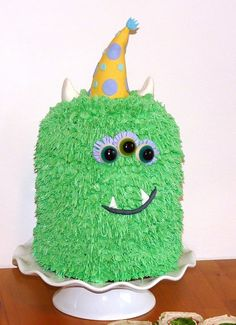 this is quite possibly the only thing that could ever top getting a Cookie Puss for my 24th birthday (Monster Cake @Beth Laake)