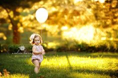sun and a single balloon: cute! Too bad my chunky girl can't stand by herself yet! ;)
