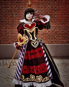 Cosplayer: Saaraz Photographer: JKameko Character: Queen of Hearts from Alice madness returns