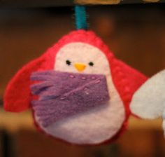 Felt Penguins with Free Pattern  (There are enough designs for a whole family.) #felt