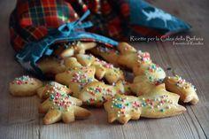 Dopo le feste di Natale si comincia a pensare all'Epifania ed ecco una ricca raccolta di Ricette per la Calza della Befana. Tante idee e spunti per preparare dolcetti, biscotti e cioccolatini fatti in casa, riempire le Calze e far trascorrere ai grandi e piccini di casa questa festa in modo speciale… Allrecipes, Sweets, Cookies, Desserts, Party, Crack Crackers, Tailgate Desserts, Deserts, Gummi Candy