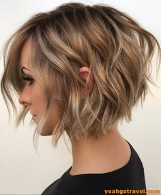 bob hairstyles 10 Balayage Short Hairstyles with Tons of Texture - Short Hair Color Ideas 2020 Find Inverted Bob Hairstyles, Short Bob Haircuts, Haircut Bob, Hairstyles Haircuts, Wedding Hairstyles, School Hairstyles, Indian Hairstyles, Haircut Short, Popular Hairstyles