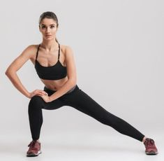 One of the best ways to have relief from lower back pain is through Hatha Yoga exercises. Yoga poses can help the symptoms and root causes of back pain. Inner Thigh Stretches, Tricep Stretch, Intense Cardio Workout, Cardio Workouts, Hatha Yoga Poses, Yoga Poses For Back, Improve Metabolism, Circulation Sanguine, Yoga Posen