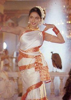 Madhuri Dixit Madhuri Dixit Hot, Indian Bridal Photos, Most Beautiful Bollywood Actress, Saree Photoshoot, Vintage Bollywood, Bollywood Fashion, Bollywood Heroine, Models, Indian Beauty