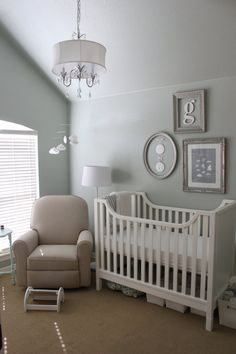 like the frames on this, looks like one has plaster molds of the baby's hand/foot hanging in it