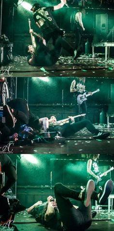 Vic tripping over Jaime XD