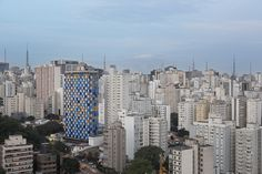 Gallery - Estudio Guto Requena Creates Interactive Light Façade for São Paulo Hotel - 2