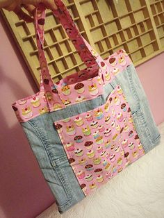 Farkkukassi ja sulkaheijastin - A denim bag and a feather reflector Denim Bag, Diaper Bag, Feather, Reusable Tote Bags, Jeans, Fashion, Bags, Candy, Jean Bag