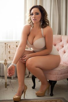 Curves in lingerie http://seekingcougar.hubpages.com/hub/Date-a-Cougar-and-Find-out-the-Bliss-of-Life