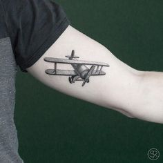 Airplane tattoos on the left inner arm. Delicate Tattoo, Subtle Tattoos, Mini Tattoos, Small Tattoos, Minimalist Tattoo Meaning, Minimalist Tattoos, Redwood Tattoo, Airplane Tattoos, Paris Tattoo
