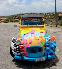 Happy Duck car, Curacao, flamingo, painted car, Dutch Caribbean, streetart, Citroen, colorfull, willemstad