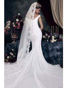 Elegant Trumpet/Mermaid V-neck Sleeveless Satin Chapel Train Wedding Dress
