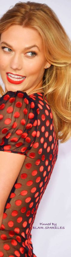 Dots Fashion, Red Fashion, Fashion Design, Vintage Waves, Black White Red, Fashion Labels, Supermodels, Blond, Karlie Kloss