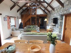 Sleeps 8 at Newport in Pembrokeshire