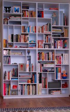 Regal und Bücher