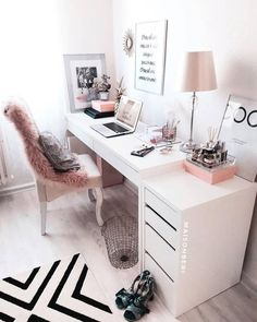 31 White Home Office Ideas To Make Your Life Easier; home office idea;Home Office Organization Tips; chic home office. Source by liatsybeauty Cozy Home Office, Home Office Space, Home Office Desks, Home Office Bedroom, Office Spaces, Office Workspace, Work Spaces, Desk For Bedroom, At Home Office Ideas
