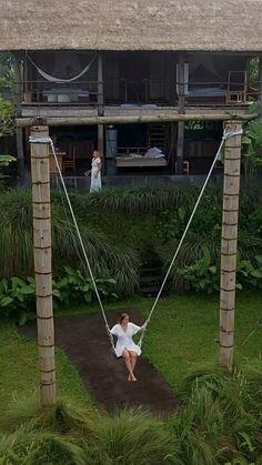 Luxury Hotels Bali, Ubud Hotels, Unique Hotels, Best Hotels, Tree Swings, Tree Forts, Backyard Garden Design, Backyard For Kids, Garden Swings