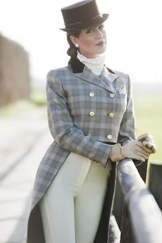 The most important role of equestrian clothing is for security Although horses can be trained they can be unforeseeable when provoked. Riders are susceptible while riding and handling horses, espec… Equestrian Girls, Equestrian Boots, Equestrian Outfits, Equestrian Style, Equestrian Fashion, Riding Hats, Riding Gear, Horse Riding, Estilo Dandy