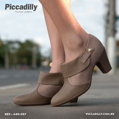 http://pcdi.ly/1ruuJCu #moda #fashion #sapatos #shoes #boots #bota #montaria #look #sapatilha #flats
