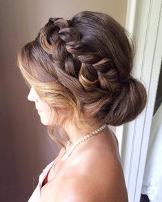 Crown braided updo wedding hairstyle,wedding hairstyles,crown braided hairstyles,updo,braided updo bridal hairstyles #weddinghairstyles #hairstyles #bridehair