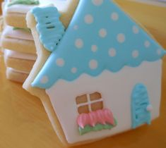 Cookie Creations...Cookie Decorating with step-by-step tutorials.