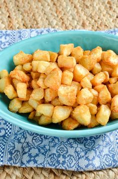 Slimming Eats Syn Free Extra Crispy Potatoes - gluten free, dairy free, vegetarian, Slimming World and Weight Watchers friendly Slimming World Cake, Slimming World Snacks, Slimming World Recipes Syn Free, Slimming Eats, Healthy Eating Recipes, Cooking Recipes, Cooking Ideas, Healthy Food, Syn Free Food
