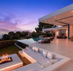 Dream Home Design, Modern House Design, Mansion Interior, Mansions Homes, Luxury Mansions, Luxury Homes Dream Houses, Dream House Exterior, House Goals, Cozy House