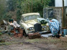 Abandoned Exotics from around the world Try not to cry Rolls Royce Abandoned Cars, Abandoned Places, Abandoned Vehicles, Vintage Cars, Antique Cars, Junkyard Cars, Supercars, Royce Car, Car Barn