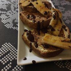 INGREDIENTES: 2 o 3 rodajas de pan pequeñas de espelta, quínoa o integral. 1 huevo 100ml de leche de avena...