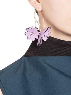 Flower earrings in pink leather
