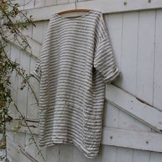This simple cut is an elegant addition to the wardrobe, it is flattering and comfortable to wear, made from european linen,one size fits from a small to extra large, a one off ready to be shipped.  Measurements Bust 57 inches  Length 36 inches   Free Shipping with in Australia International Shipping $14USD