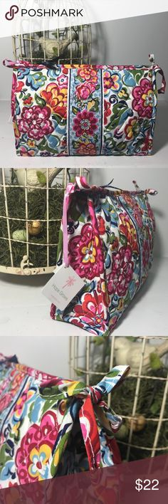Vera Bradley Large Cosmetic Bag Hope Garden Vera Bradley large bow cosmetic bag. Floral Hope Garden pattern. It measures approximately 10 1/2 x 7 1/2 x 4.  Brand new with tags. 🌺 Buy it....you deserve it!! 🌺 Vera Bradley Bags Cosmetic Bags & Cases