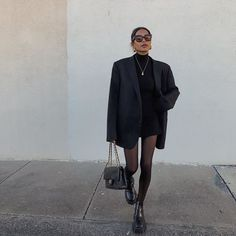Source by Fall Fashion 2020 Mode Outfits, Winter Outfits, Casual Outfits, Fashion Outfits, Dress Winter, Black Outfits, Fashionable Outfits, Spring Outfits, Fashion Tips