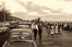 A estrada junto à Baía de Lourenço Marques, entre a Fazenda, o Restaurante Zambi e