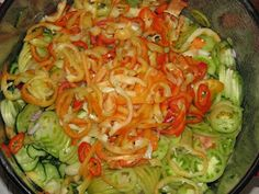 Gyomro-sokk: Egy csalamádé színorgiája Cabbage, Vegetables, Food, Essen, Cabbages, Vegetable Recipes, Meals, Yemek, Brussels Sprouts